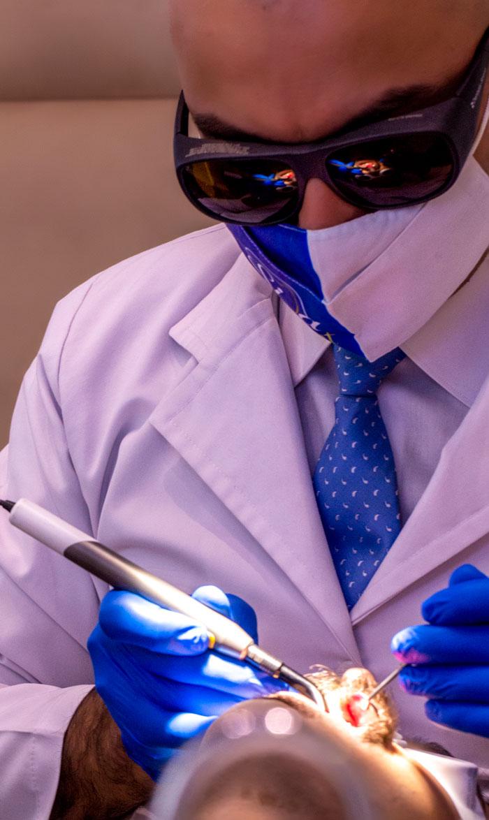 ارتودنسی دندان با لیزر توسط دکتر داودیان